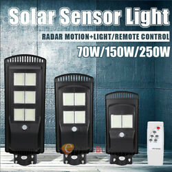 Outdoor Commercial 250W LED Solar Street Light Dusk to Dawn PIR Sensor LampPole