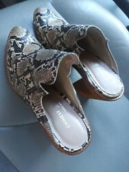 Size 7 womens shoes $20.00