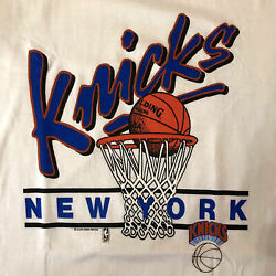 NBA Basketball New York Knicks Team Vintage T Shirt 100% Cotton Tee Fan Gift $16.99
