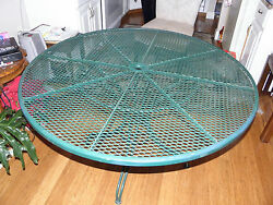 Green Round Cast Iron Outdoor Patio Table + 4 chairs