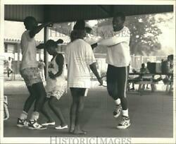 1988 Press Photo Friends Dancing at Urban League's Family Day at Kirk Park