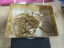 8.9 Grams Of 14kt Scrap Gold Some Wearable (350)