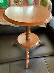 Vtg Solid Maple Small Occasional end Side tripod Table Plant Stand Wood wooden