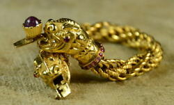 Wonderful Vintage 18kt Solid yellow gold and Ruby double heads lioness bracelet