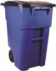 Rubbermaid Commercial Products BRUTE Roll Out Recycle Bin With Lid 50 Gal Blue