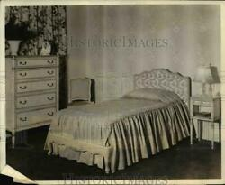 1940 Press Photo Bedroom with modern wall paper nee66528 $19.99