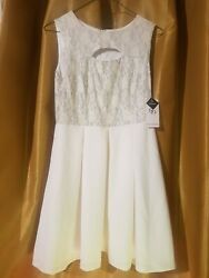 SD Collection Embroidered Silver Part Cut Out in Front White Cocktail Dress 4P $13.00