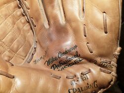 Outstanding Mike Andrews Spalding Baseball Glove $54.99