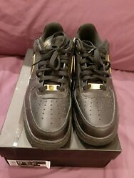 slightly used air force 1 black gold mens 9.5 $71.50
