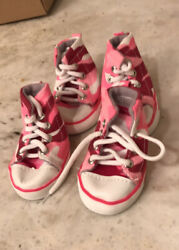 Pink converse dog shoes small dogs 10 20lbs 4 shoes new $9.99