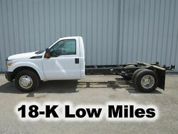 F350 6.2 V-8 GAS AUTOMATIC CAB CHASSIS STRAIGHT FRAME HAUL TRUCK 18-K LOW MILES