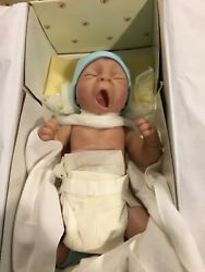 So Tired Is Baby Taylor Vintage Ashton Drake Collectible Doll [So Truly Real]