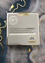 It Cosmetics Confidence in a Compact Serum Foundation LIGHT BRAND NEW IN BOX