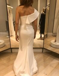 Wedding dress White Gown:size 4-6 DiCarlo Couture