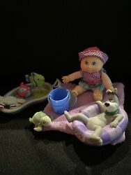 ADORABLE VINTAGE 1983 Cabbage Patch Outdoor playing at the beach $15.00