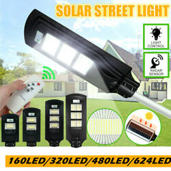 Solar LED Street Light Commercial Outdoor IP67 Dusk to Dawn Flood Garden Lamp