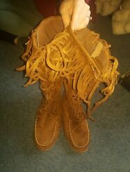 Womens boots size 8 $10.00