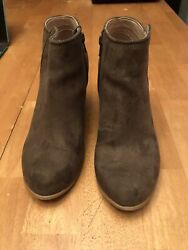 Old Navy Womens Boots Size 9 Brown Faux Suede Ankle Booties Wood Heel $19.99