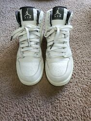 Air jordan 1 Retro high Size 7 $90.00
