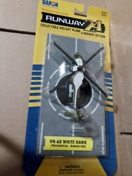 HO Scale USA UH 60 Presidential Helicopter With Runway #RW 235 $14.95