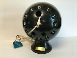 Working Sessions Novelty Bowling Ball Clock Model 2417 $29.99