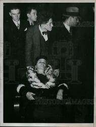 1935 Press Photo Mrs Freda Davan Shown Where She Was Brought by Rescue Ship