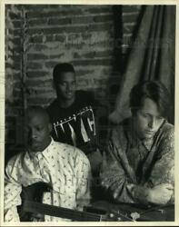 1992 Press Photo Members of the band