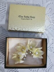 Vintage Plastic Ear Rings Yellow Flowers w Tiny Pearls $8.76