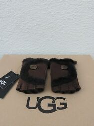 UGG CHOCOLATE MINI BAILEY BUTTON FINGERLESS SUEDE SHEARLING GLOVES SMALL NWT $79.95