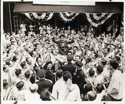 Homecoming For Champion Rocky Grazziano 1949 OLD BOXING PHOTO AU $8.50