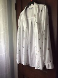 """Old Navy """"The Classic Shirt"""" Large Button Down White Cocktail Print $9.00"""