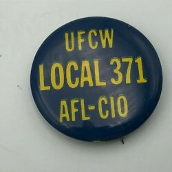 Vintage UFCW Union 1 1 4quot; Pin Button Pinback United Food Commercial Worker N6