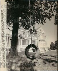 1973 Wire Photo Tire Swing Hanging In Front Of Illinois Executive Mansion $20.00