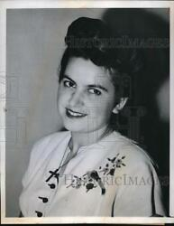 1947 Press Photo Mary Giote 21 is planning a wedding to man she hasn't met