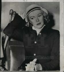 1952 Press Photo Lady Sylvia Ashley appears in court as she divorced Clark Gable