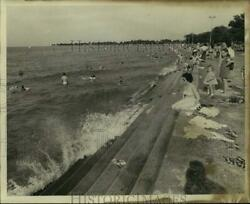1974 Press Photo Families spending a leisurely day at Lake Pontchartrain