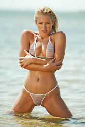 Nicky Whelan Model 8x10 Picture Celebrity Print