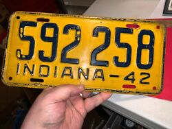 1942 INDIANA WWII LICENSE PLATE CAR AUTO TAG ORIGINAL PAINT GAS OIL ANTIQUE USA $14.99