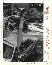 1981 Press Photo The Twisted Wreckage of Helicopter Accident on Houston Freeway. $19.99