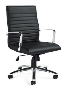 Lot Of 8 Executive Conference Room Table Chairs