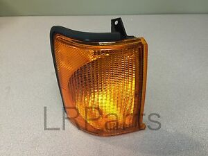 Land Rover Discovery 2 Ii 99 02 Front Turn Signal Lamp Light Right Rh Xbd100870