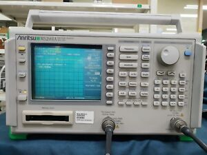 Anritsu_ms2661a Spectrum Analyzer opt 01 02 05 09 20 with Tracking Generator