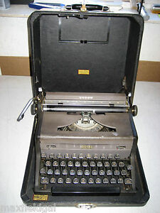 Refurbished Royal Arrow Portable Manual Typewriter W hard Case Warranty