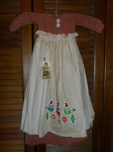 Primitive Wall Decor Dress Red Check W Apron Christmas Owls Ornaments Grungy
