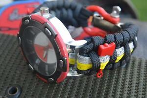 Custom Firefighter Fire Rescue Fireman Bunker Turnout 550 Paracord Red Watch