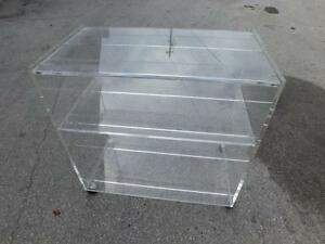 Vintage Mid Century Lucite Hollywood Regency 3 Tier Tv Side Table Bar