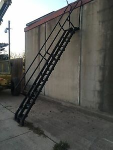 Vestil Lapeyre Vertical Stairs Alternating Tread Ladder With 17 Steps 56