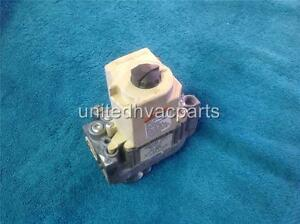 Honeywell Vr8204a 2050 Furnace Gas Valve Hq1004606hw