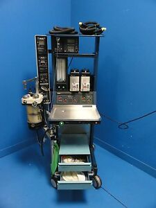 Ohmeda Excel 110 Anesthesia System Isotec Fluotec Vaporizer 5200 Monitor 9251