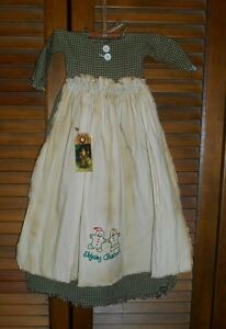 Primitive Wall Decor Dress Green Check W Apron Gingerbread Couple Christmas